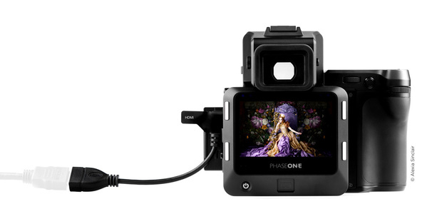 XF-100MP-camera-system-hdmi-screen-web.jpg